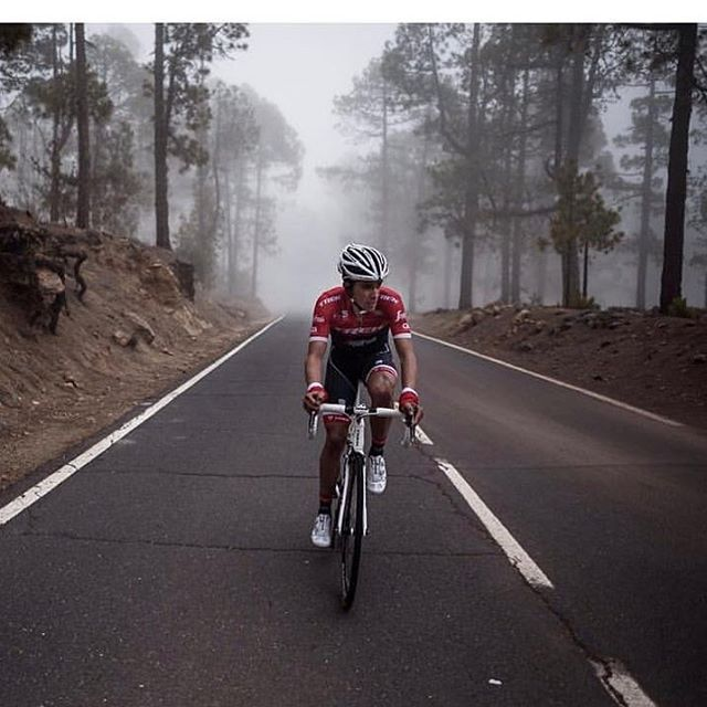 Alberto Contador in his new colors @kramon_velophoto