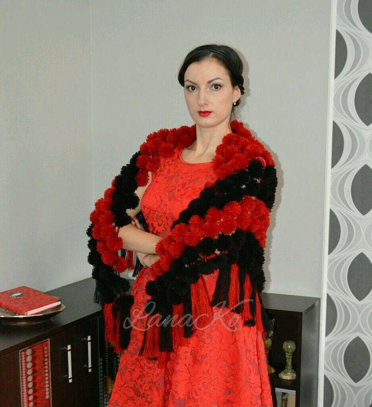 """Купить Шаль из помпонов """"Кармен"""", красная с черным - красный, черный, черно-красный, красно-черный"""