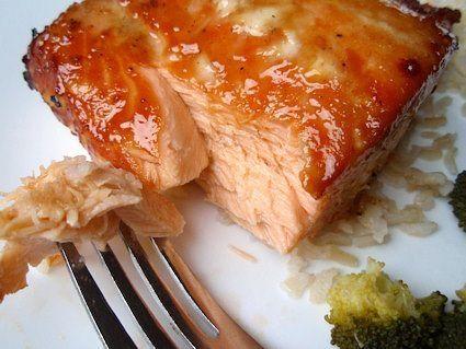 Фото к рецепту: Запеченная семга в духовке.