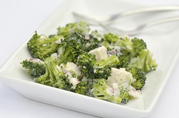 Comment Cuisiner Le Brocoli Frais Ou Surgele Recettes De Cuisine Recette Salade