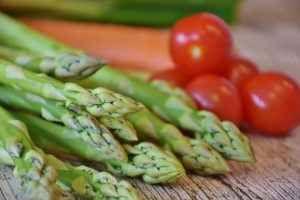 Asparagi: per contrastare radicali liberi e stimolare la diuresi In questo articolo vi parlerò delle proprietà e benefici degli asparagi.Lasparago è conosciuto sopr asparagi proprietà diuresi benefici