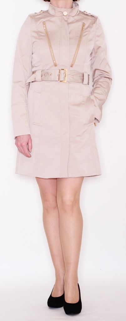 coat in beige