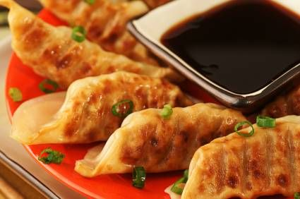 Turkey Potstickers/ Dumplings    Delish & Healthy way to get veggies & protein   Great for Superbowl! @ModernMom
