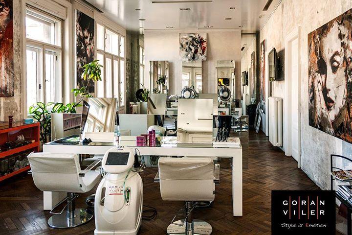 Vi aspettiamo nella nostra #HairSpa! Qui il benessere è ovunque, dall'esplosione di luce che filtra dalle ampie vetrate alle suggestive cerimonie del tè. Secondo la filosofia del Salone, infatti, il concetto di lusso si rispecchia nello spazio, nel silenzio, nella possibilità di prendere del tempo per se stessi, come nelle celebri Onsen giapponesi. Passate a trovarci! // #Trieste #GoranViler #Hair