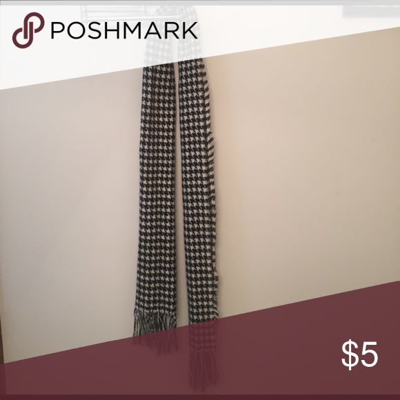 Houndstooth scarf Houndstooth scarf Accessories Scarves & Wraps