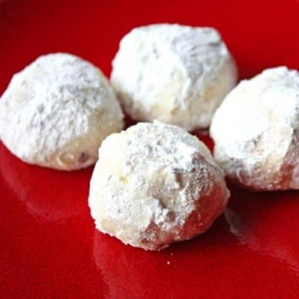 2010 :chest Snowballs (aka Russian Tea Cakes, Mexican Wedding Cakes ...