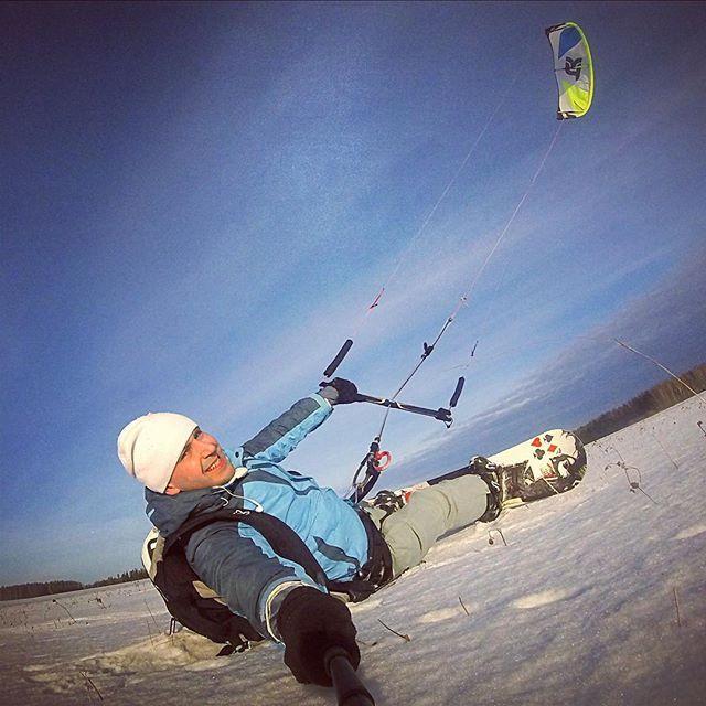 From oleg_makaninНачинаем сезон покатушек !!! #кайт #кайтсерфинг #сноуборд #сноукайтинг #сноукайтсерфинг #kite #kitesurfing #kiteboard #snowkiteboarding #snowkite #takoon #иваново37kiteboard,сноукайтинг,кайтсерфинг,кайт,сноуборд,snowkiteboarding,kitesurfing,takoon,иваново37,сноукайтсерфинг,snowkite,kite