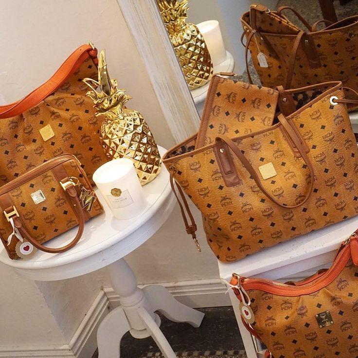 Viele MCM Taschen findet ihr im Onlineshop oder ab morgen in der Boutique in Köln  Link im Profil #louisvuitton #mcm #glueckundglanz