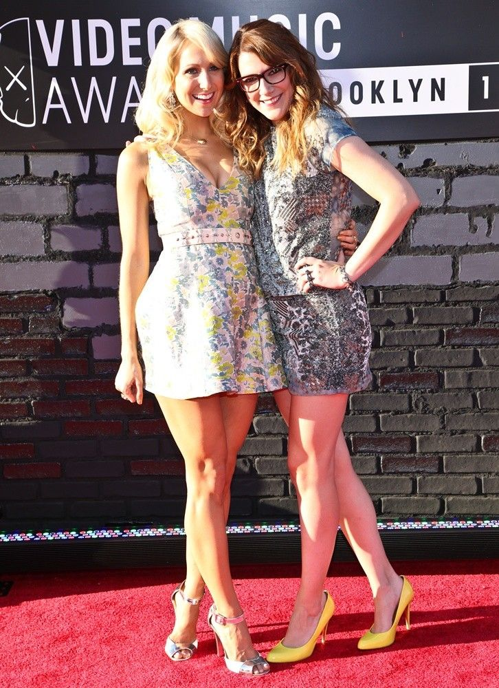 nikki glaser hot - Google Search   Beautifully Funny ...