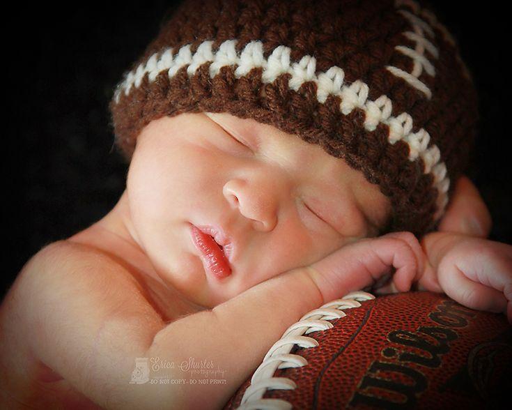 Newborn boy photography... I love this one! So stinkin cute...
