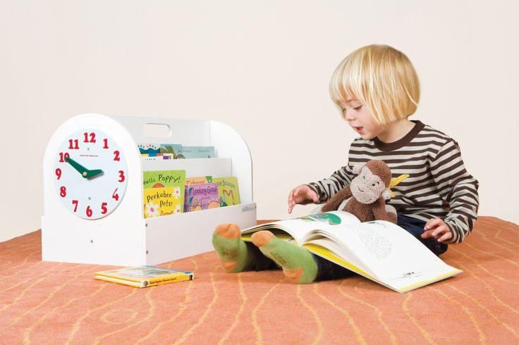 La Boîte à Livres Tidy Books en blanc! Lisez avec vos enfants où que vous soyez grâce à cette mini bibliothèque portable ! http://www.tidy-books.fr/boite-a-livres