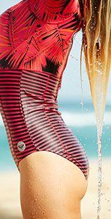Belle à la plage, belle pour surfer ! Combinaison néoprène manches longues Roxy #surf #roxy
