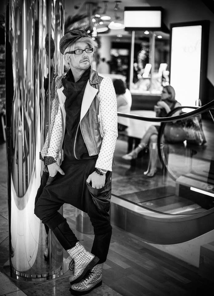 Mike  Vogue Fashion Night Düsseldorf #drop-crotch pants #fashion