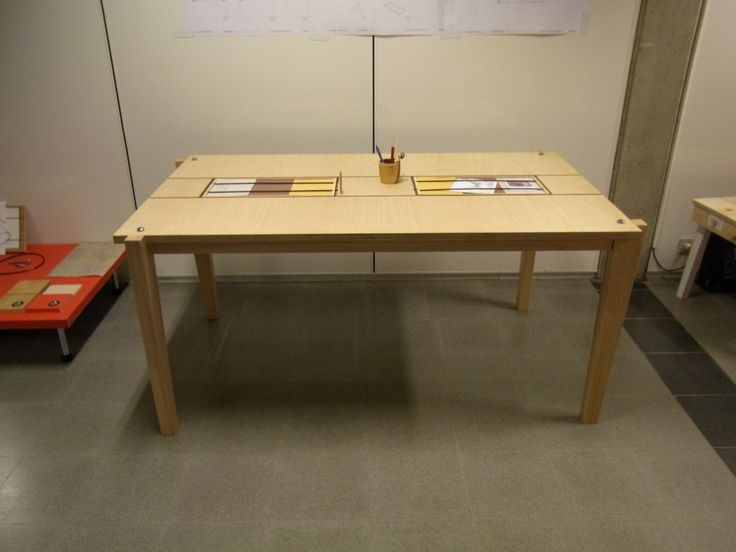 Speelse tafel in berk en beuk - table with some funny accents