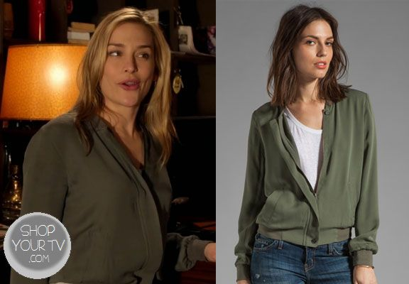 Annie Walker (Piper Perabo) wears this 100% silk green jacket in this week's episode of Covert Affairs.