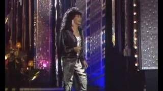 Fiordaliso - Non voglio mica la luna (1986), via YouTube.