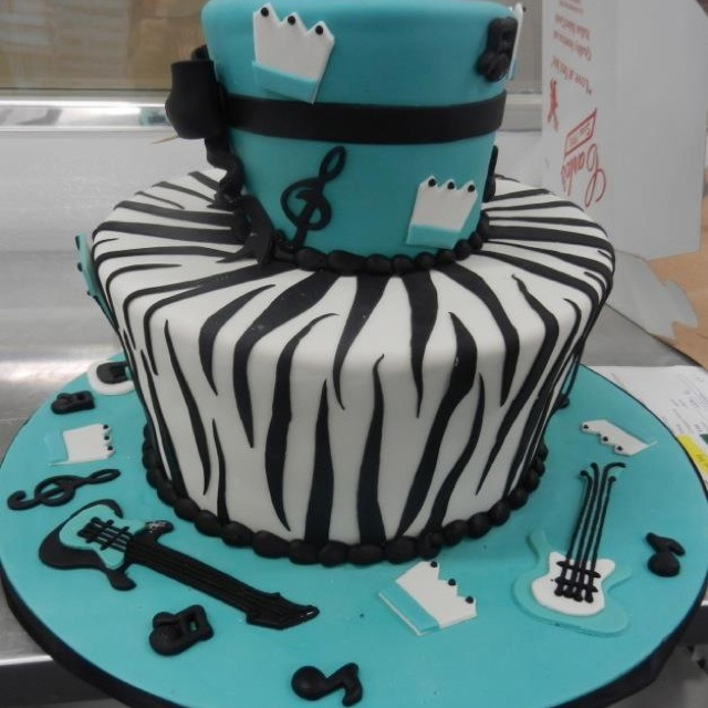 Carlos Bakery cake,I so want this for my birthday.