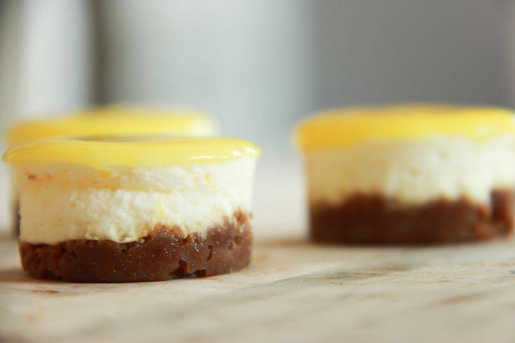Mini citroentaartjes met monchou. Heerlijke petit fours, no-bake, citroen.