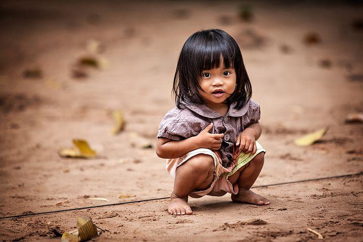 Cambodian Angel by Pavol Delej on 500px. alla scoperta di questo misterioso paese dalla storia antica e nobile che offre al viaggiatore una natura rigogliosa, incantevoli paesaggi rurali, straordinari tesori archeologici vestigia del grandioso passato. www.tripaz.net/cambogia