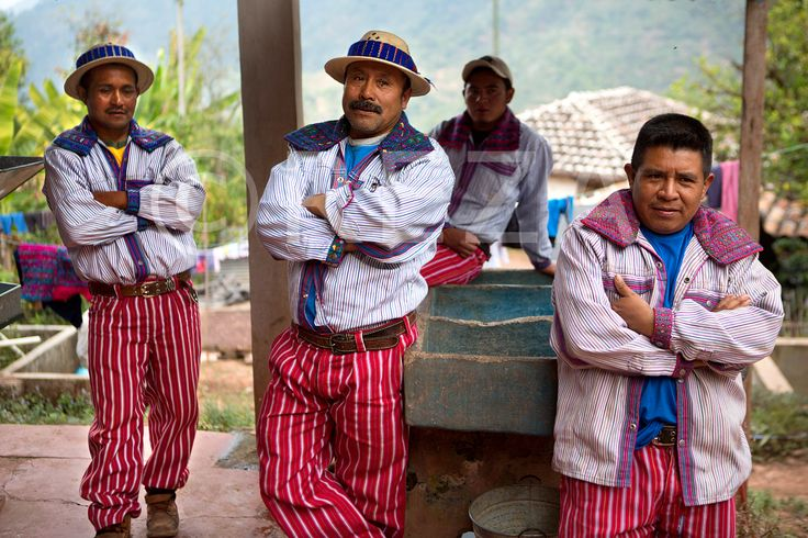 Transmission. Village of Chanjon, Rio, Guatemala, December 18, 2012. #soulofcoffee #chantsdecafe #rezaphoto