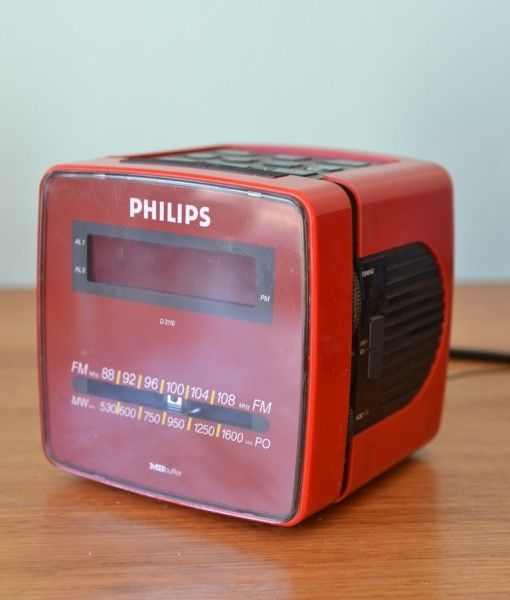 Vintage red Philips alarm clock D3110  / 10 L
