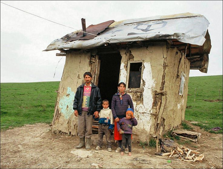 Sinti & Roma. The Sinti are a Romani (gypsy) people of central Europe.[1] Traditionally itinerant, today only a small percentage of the group remains unsettled. In earlier times, they frequently lived on the outskirts of communities.