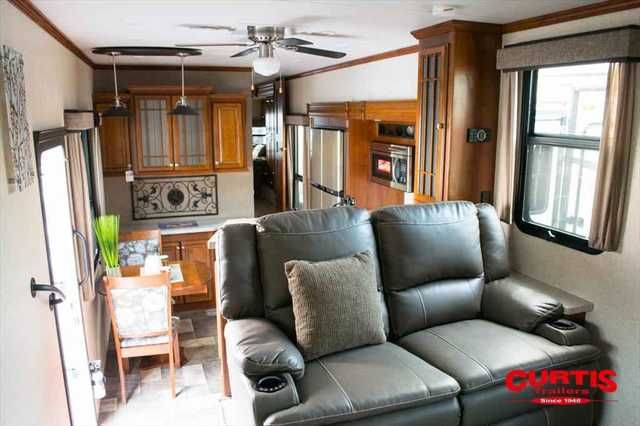 2016 New Heartland Rv Bighorn 3750fl Fifth Wheel in Oregon OR.Recreational Vehicle, rv, 2016 Heartland RV Bighorn 3750fl, Accessories: INTERIOR- CAMBRIDGE,BIGHORN PREMIER PACKAGE,KING OF THE MOUNTAIN PKG,1 1/4 ACCESSORY RECEIVER,POWER CORD REEL,6 PT AUTO LEVELING LEVEL UP SYSTEM,IVORY COLORED SIDEWALSS W/CHOCOLATE FRONT & REAR CAPS,32 BEDROOM TV W/BUILT IN DVD PLAYER,CONVECTION MICROWAVE,PROGRAMABLE COMBINATION SAFE,ELECTRIC FIREPLACE,WINTERIZATION,STATE SEAL - OREGON,,