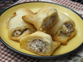 Mommy's Kitchen - Home Cooking & Family Friendly Recipes: Sausage Cream Cheese Crescents