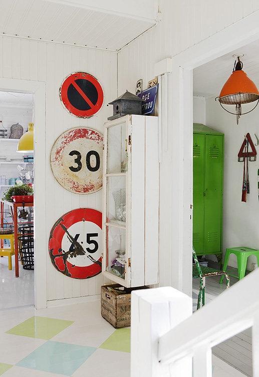 Decor File : スウェーデン ビンテージスタイルのHappy House