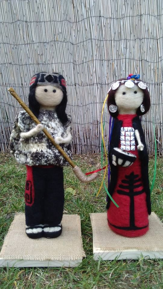 Pareja Mapuche en Fieltro https://www.facebook.com/entrelanasymas.cl/