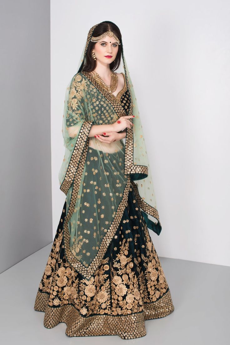 This gorgeous Niyoosh emerald green wedding lehenga is for just 15k rent. #Frugal2Fab