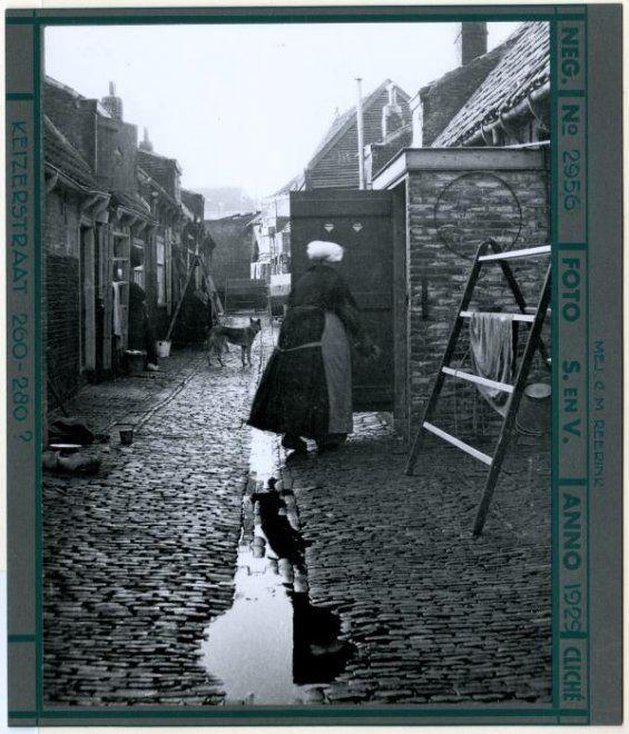Keizerstraat 260-280, hofje. 1929 Dienst Stadsontwikkeling en Volkshuisvesting #ZuidHolland #Scheveningen