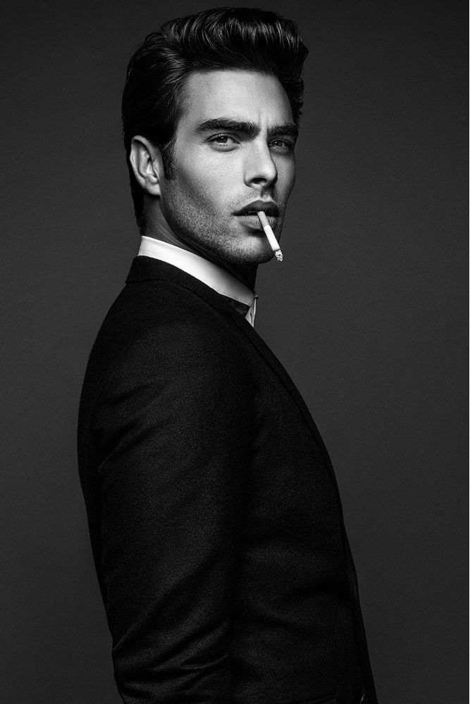 Jon Kortajarena shot by Anthony Meyer for the coverstory of Apollo Novo magazine's third issue. http://www.creativeboysclub.com/