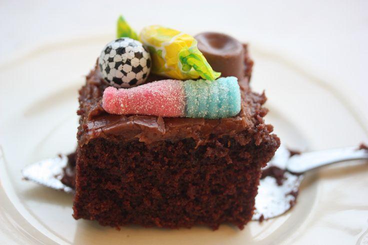 Saftig sjokoladekake (i langpanne)