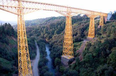Chile, Viaducto del Malleco      Declarado en 1995 monumento de la ingenieria mundial por la Sociedad Americana de Ingeniería (EE.UU), es la obra de ingeniería mas importante de Chile. Tiene 407.5 m de largo y 97.6 m de altura.