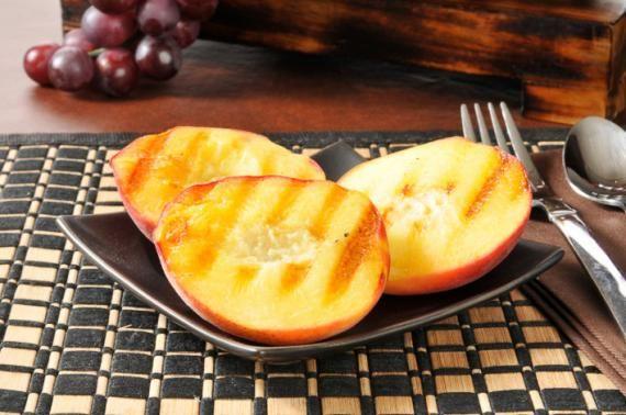 Frutas grelhadas opção saudável para sobremesa