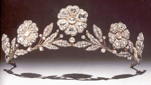 Strathmore Rose tiara of Queen Elizabeth the Queen Mother # Pin++ for Pinterest #