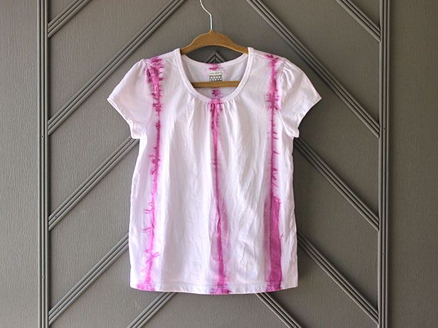 DIY Shibori T-Shirts >> http://blog.diynetwork.com/maderemade/how-to/diy-shibori-t-shirts-tie-dye-goes-high-fashion/?soc=pinterestDiy Fashion, Diy Shibori T-Shirt, Kids Crafts, High Fashion, 20Th Century, Ties Dyes, Century Ties Dyed, Practice Fashion, Japanese Shibori