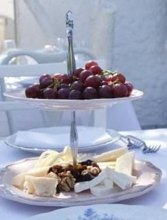Grapes, cheese and nuts