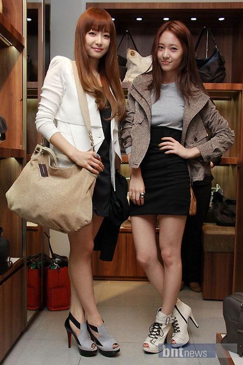 f(x)'s Victoria & Krystal at fashion event