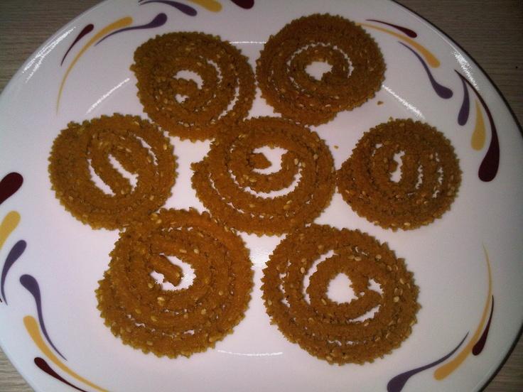 Wheat Flour Chakli Recipe for Snack............  http://www.easyindianfoodrecipes.info/recipe/wheat-flour-chakli-recipe.html