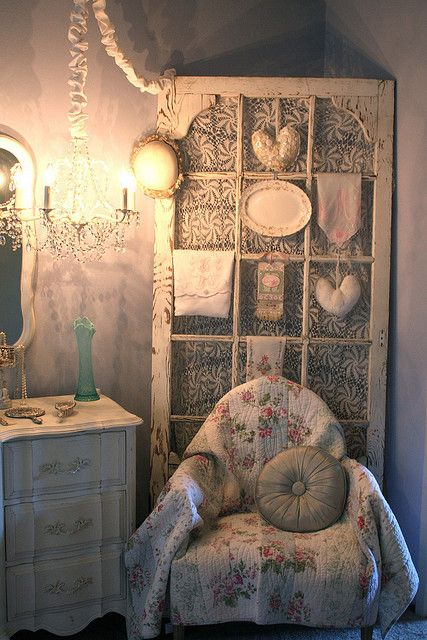 Cottage bedroom by Romantic Home, via Flickr...❤️.•°¤*(¯`★´¯)*¤° Shabby Chic.•°¤*(¯`★´¯)*¤°❤️