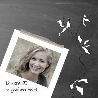Uitnodiging foto en bloemetjes-IP, verkrijgbaar bij #kaartje2go voor €1,89