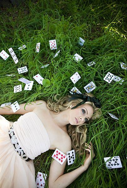 Mariage thème Alice au pays des merveilles - Décoration mariage - Touslesmariages.com