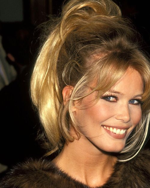 1000+ ideas about Claudia Schiffer on Pinterest Yasmin - 80S Hairstyle