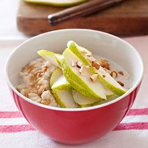Porridge with pear and almonds