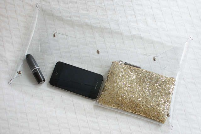 Crystal Clear Purses : 'a pair & a spare' DIY transparent clutch