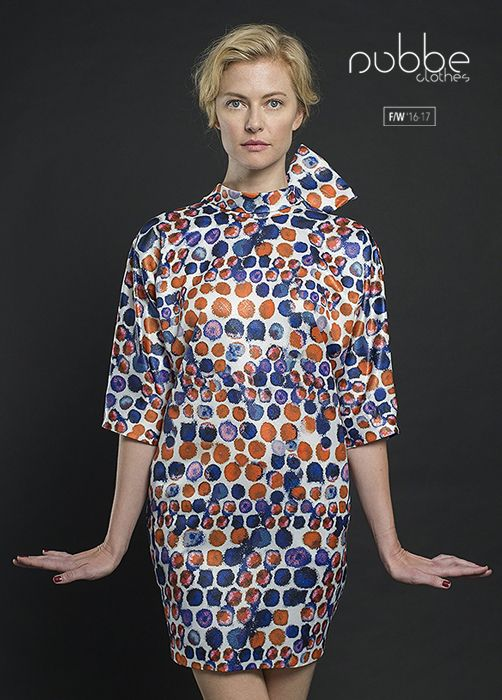 """NUBBE CLOTHES   F/W '16-17 Adoramos los lazos. Imagen: vestido """"Ágata"""". Hazte con él en nuestra tienda online y puntos de venta. http://tienda.nubbeclothes.com/ #otoño #fashion #moda #modagallega #madeinspain #elegante #lazos #vestido"""