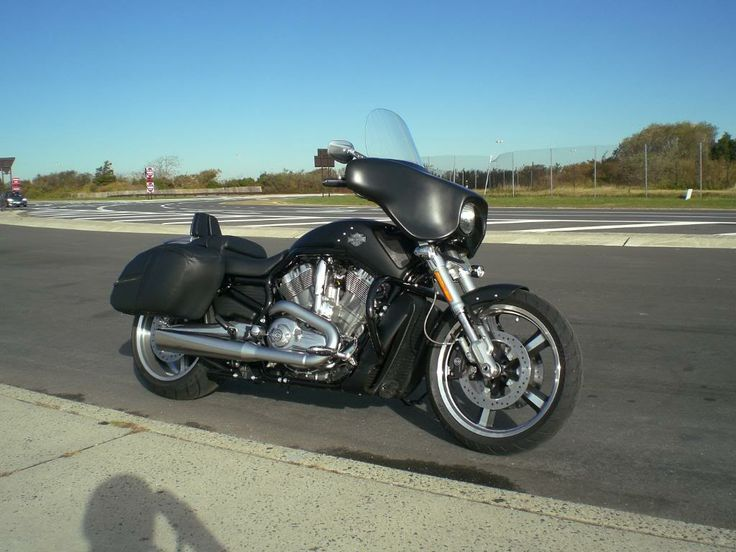Adding FLH headlight cowl and Fairing to the Vrod Muscle