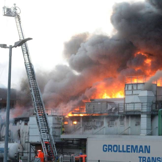 http://www.bild.de/news/inland/westfleisch/brand-bei-westfleisch-in-paderborn-44483402.bild.html